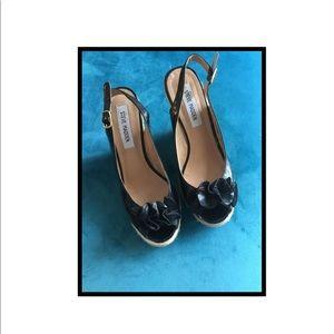 8 M Leather Peep Toe Wedge Heels